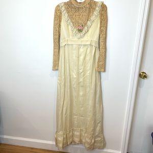 VTG prom dress / wedding gown - size 10/12